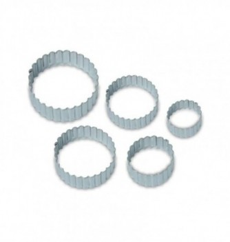 Pastry cutters - 5 Smooth & Corrugated rounds...