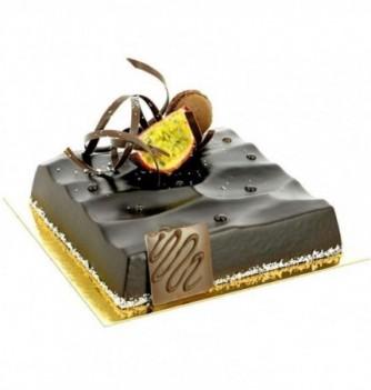 Plastic mold for dessert square footprint
